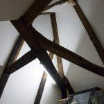 Interessantes Balkenwerk unter dem Dach.