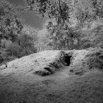 Impression eines rekonstruierten Großsteingrabes.