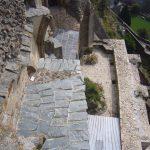 Hier ist wirklich etwas verloren gegangen: Reste eines Hauses am Mont-Sant-Michel.